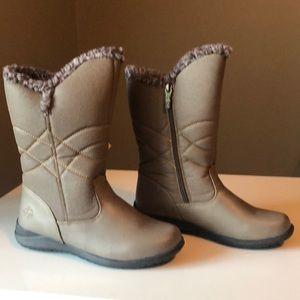 Cute Waterproof Totes Winter Boot In Tan. Size 8